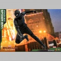 Hot Toys Spider-Man (Stealth Suit) - Spider-Man : Far From Home