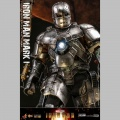 Hot Toys Iron Man Mark I - Iron Man